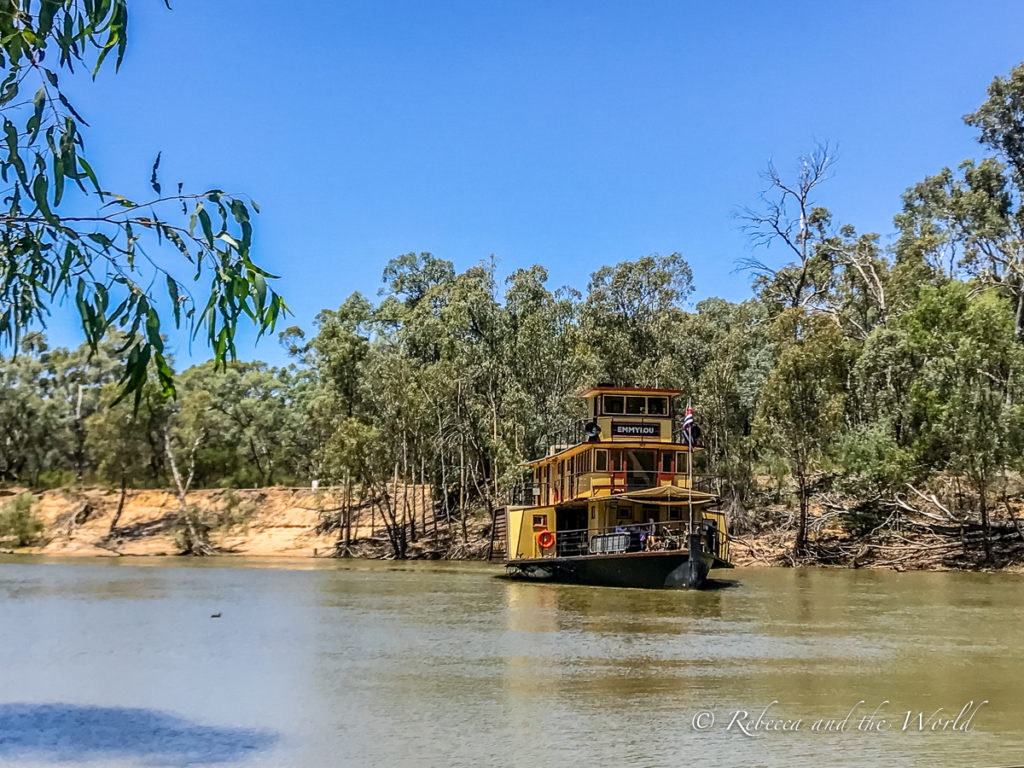 One of the best things to do in Echuca, Victoria, is take a ride on a paddlesteamer - Echuca has the world's largest fleet of operating paddlesteamers in the world